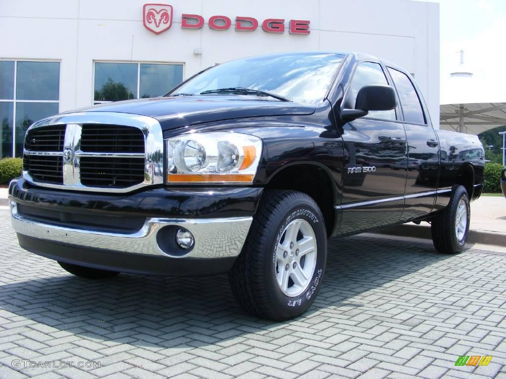 2006 Ram 1500 SLT Quad Cab 4x4 - Brilliant Black Crystal Pearl / Medium Slate Gray photo #1