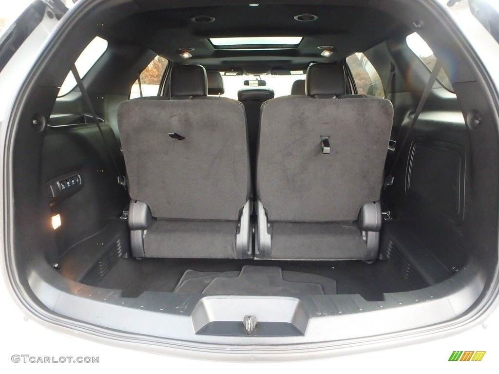 2017 Ford Explorer Limited 4WD Trunk Photos