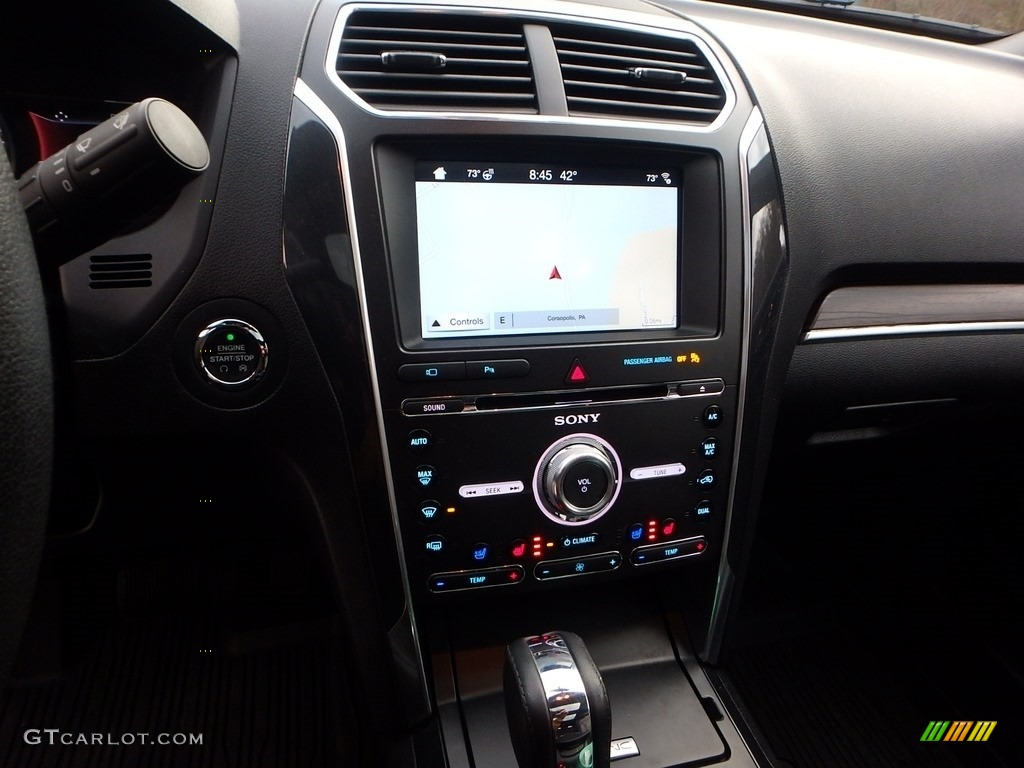 2017 Ford Explorer Limited 4WD Controls Photo #123933532