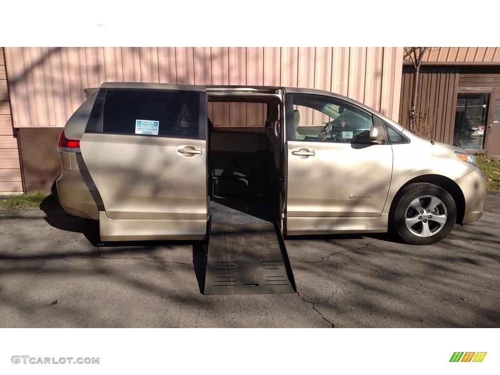 Sandy Beach Metallic Toyota Sienna