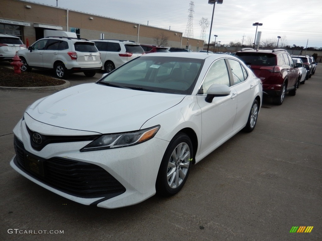 2018 Camry Le Super White Macadamia Photo 1