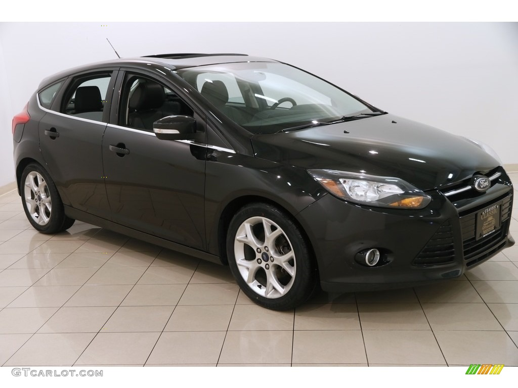 2014 tuxedo black ford focus titanium hatchback 124604012 car color galleries. Black Bedroom Furniture Sets. Home Design Ideas