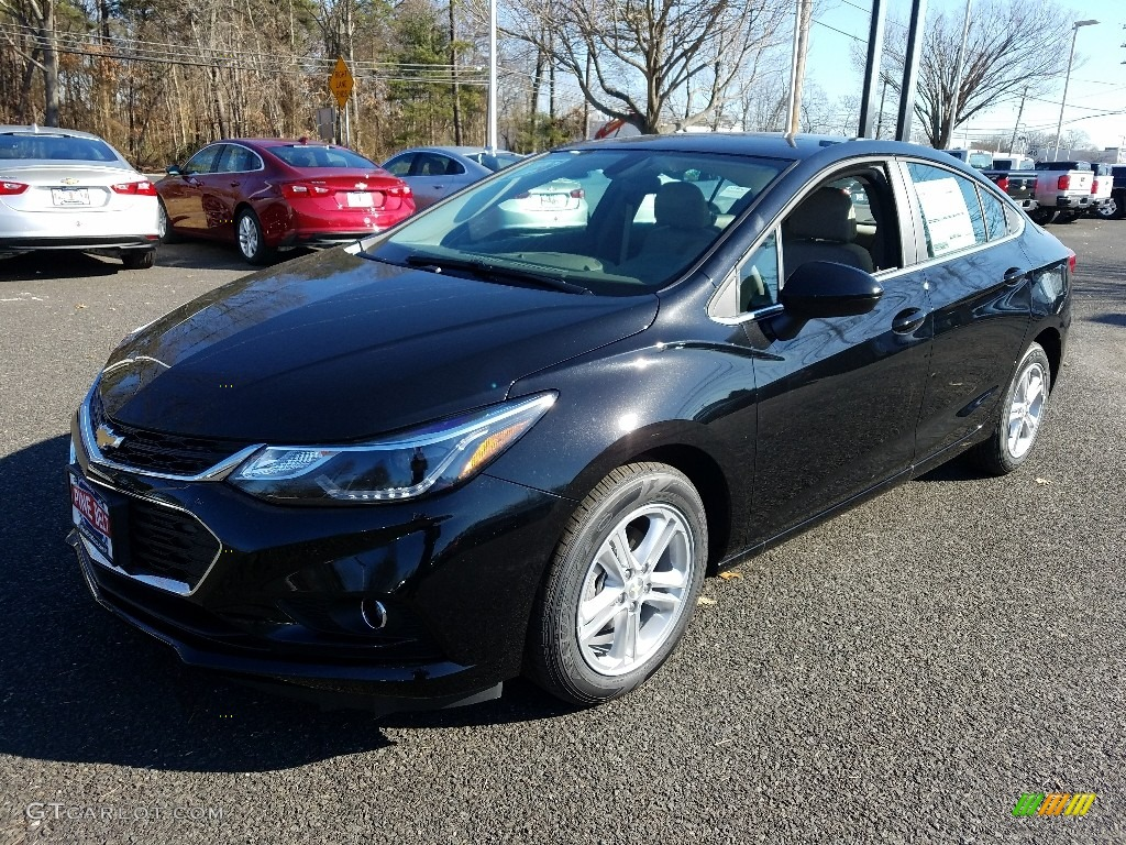 2018 Mosaic Black Metallic Chevrolet Cruze LT #125093726 ...