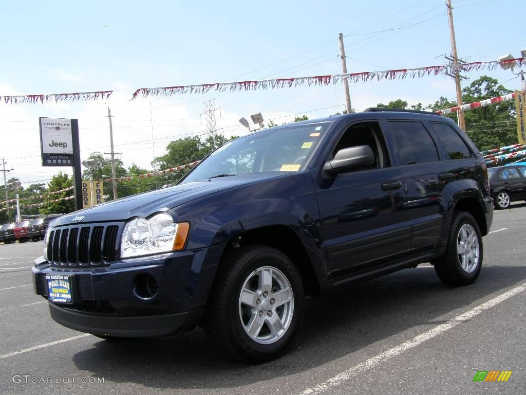 2006 Grand Cherokee Laredo 4x4 - Midnight Blue Pearl / Medium Slate Gray photo #1