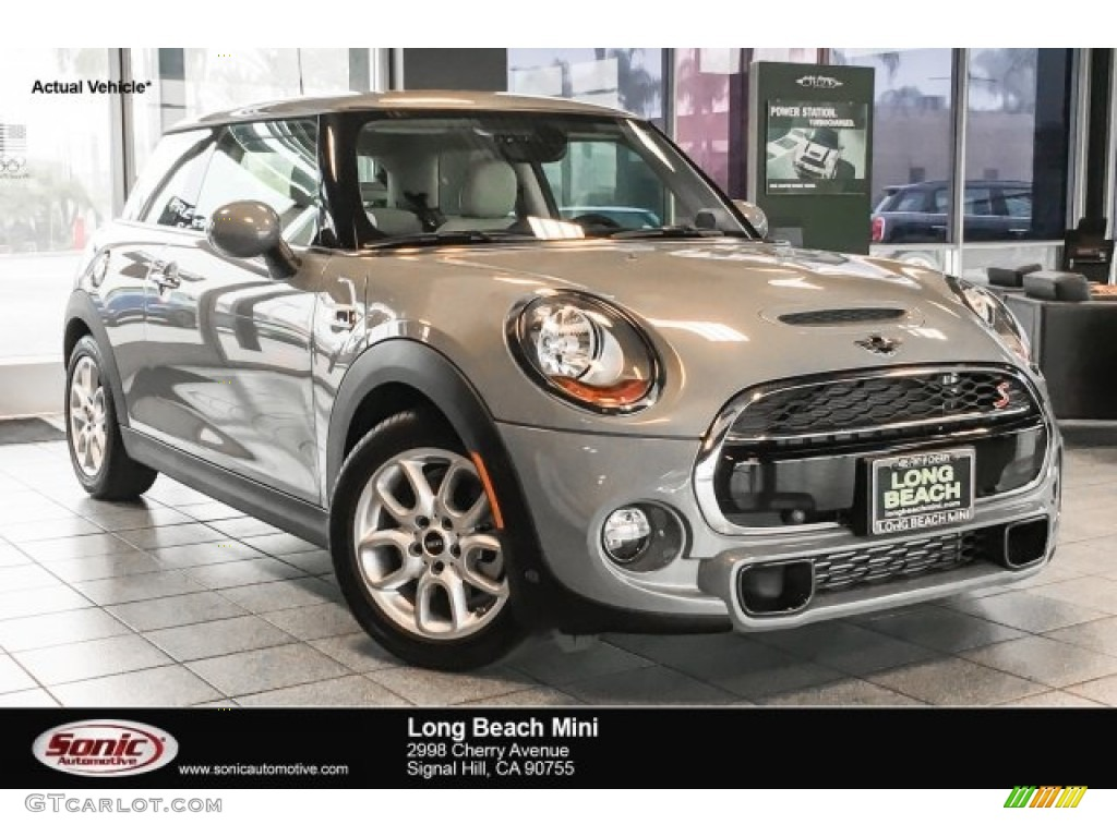 2018 Moonwalk Grey Metallic Mini Hardtop Cooper S 2 Door 126369149