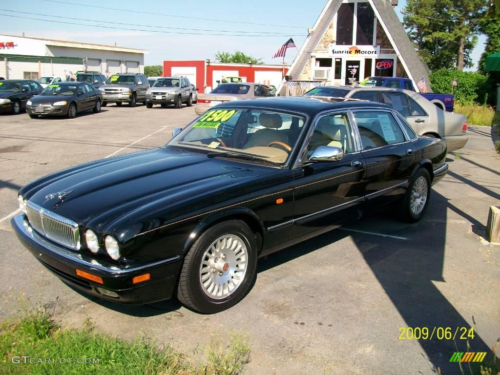 1996 black jaguar xj vanden plas 12632996 photo 3. Black Bedroom Furniture Sets. Home Design Ideas
