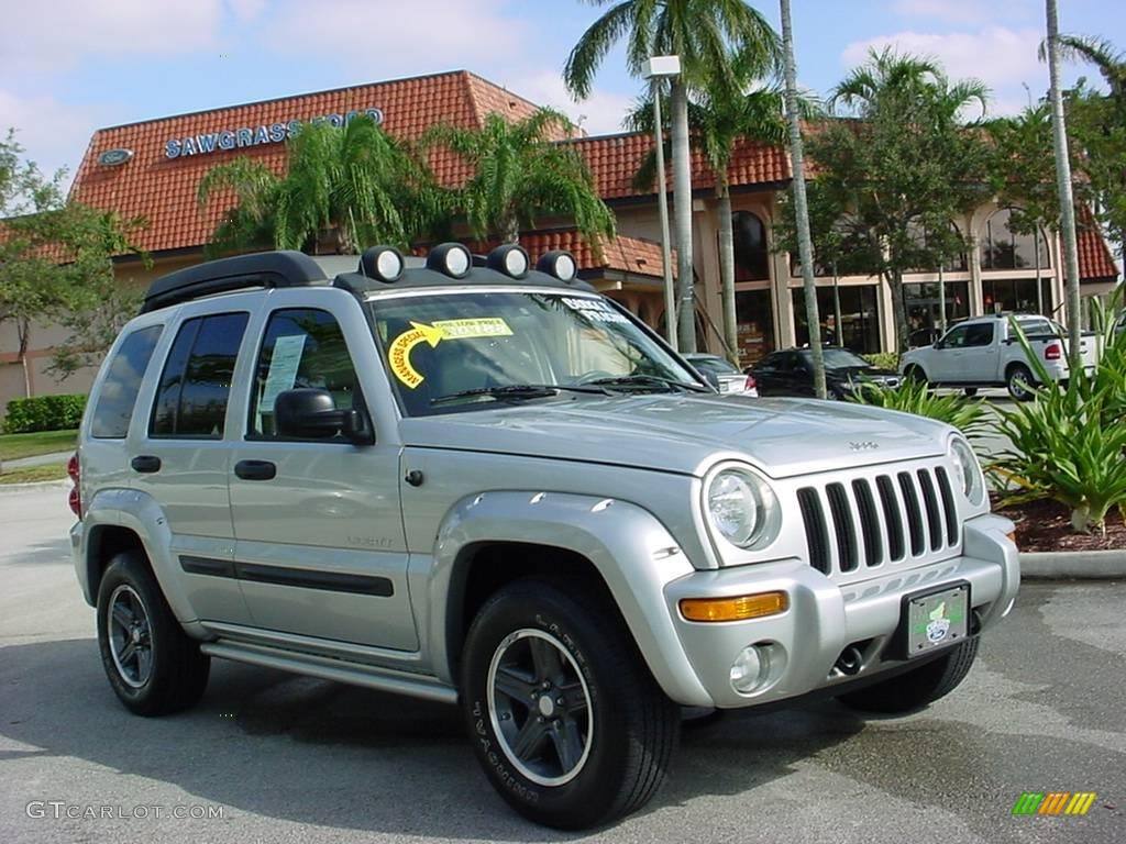 2004 bright silver metallic jeep liberty renegade 1261593. Black Bedroom Furniture Sets. Home Design Ideas