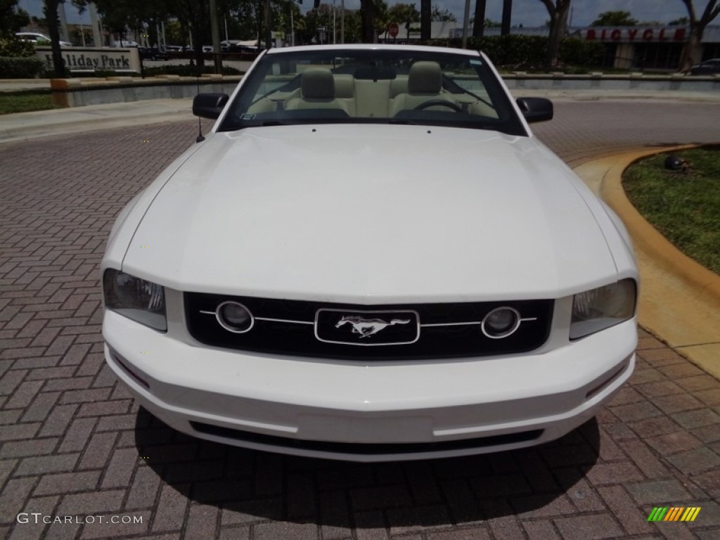 2007 Mustang V6 Premium Convertible - Performance White / Medium Parchment photo #7