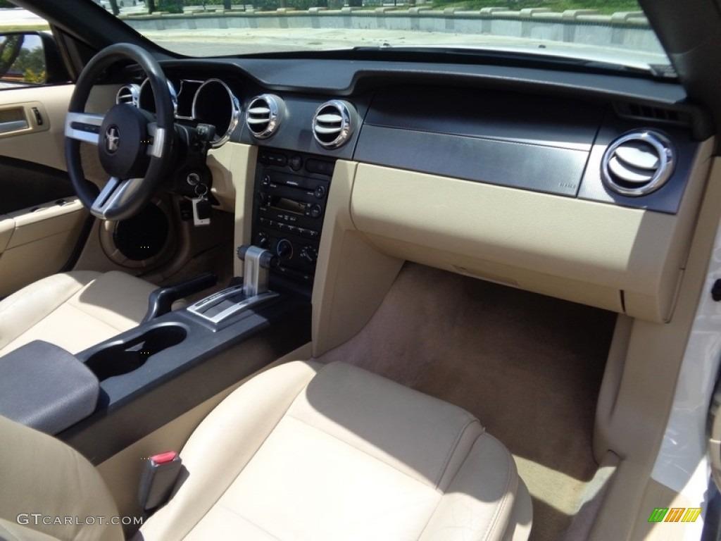 2007 Mustang V6 Premium Convertible - Performance White / Medium Parchment photo #17