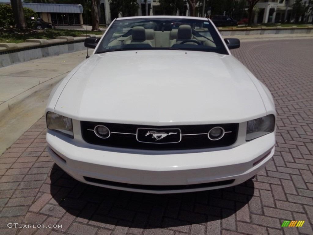 2007 Mustang V6 Premium Convertible - Performance White / Medium Parchment photo #28