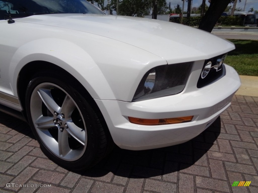 2007 Mustang V6 Premium Convertible - Performance White / Medium Parchment photo #50