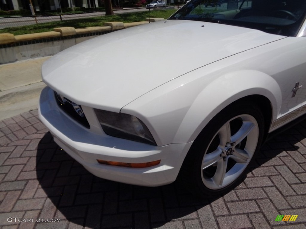 2007 Mustang V6 Premium Convertible - Performance White / Medium Parchment photo #59