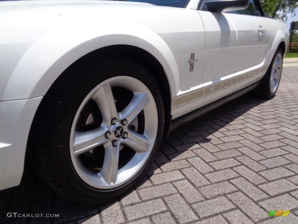 2007 Mustang V6 Premium Convertible - Performance White / Medium Parchment photo #61