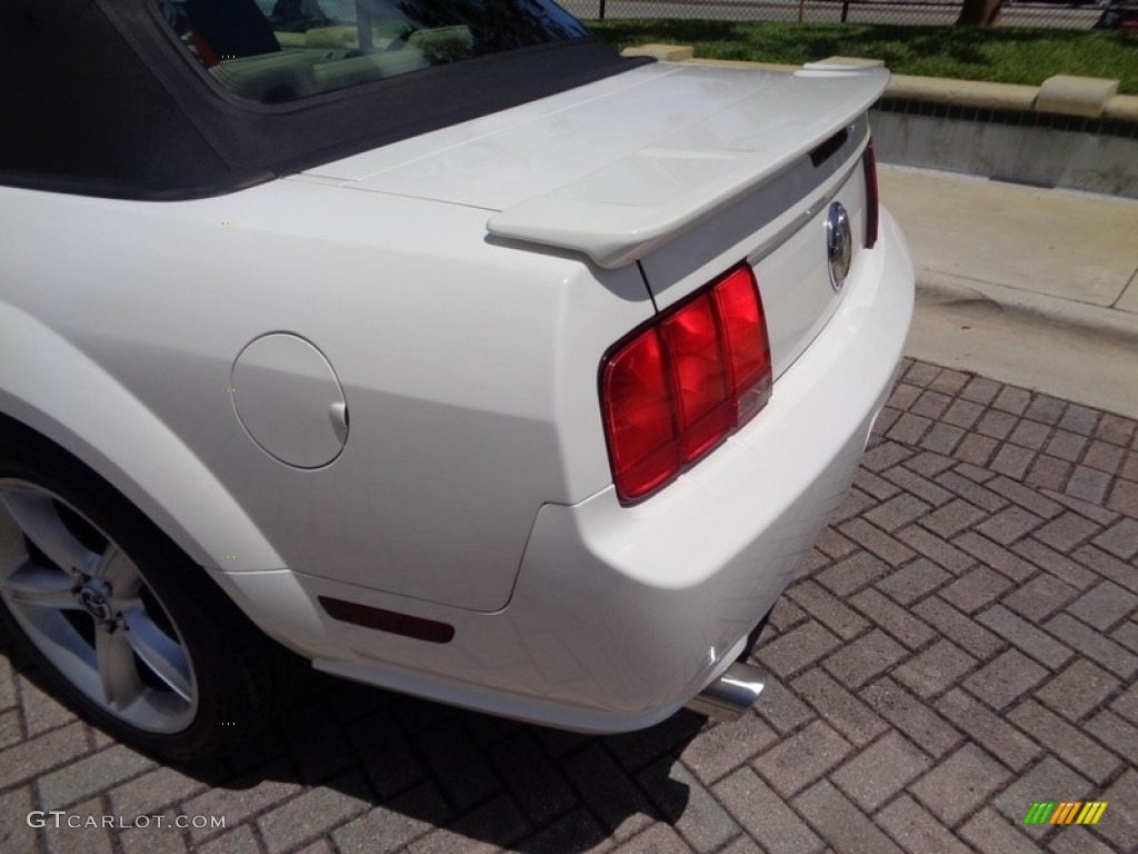 2007 Mustang V6 Premium Convertible - Performance White / Medium Parchment photo #62