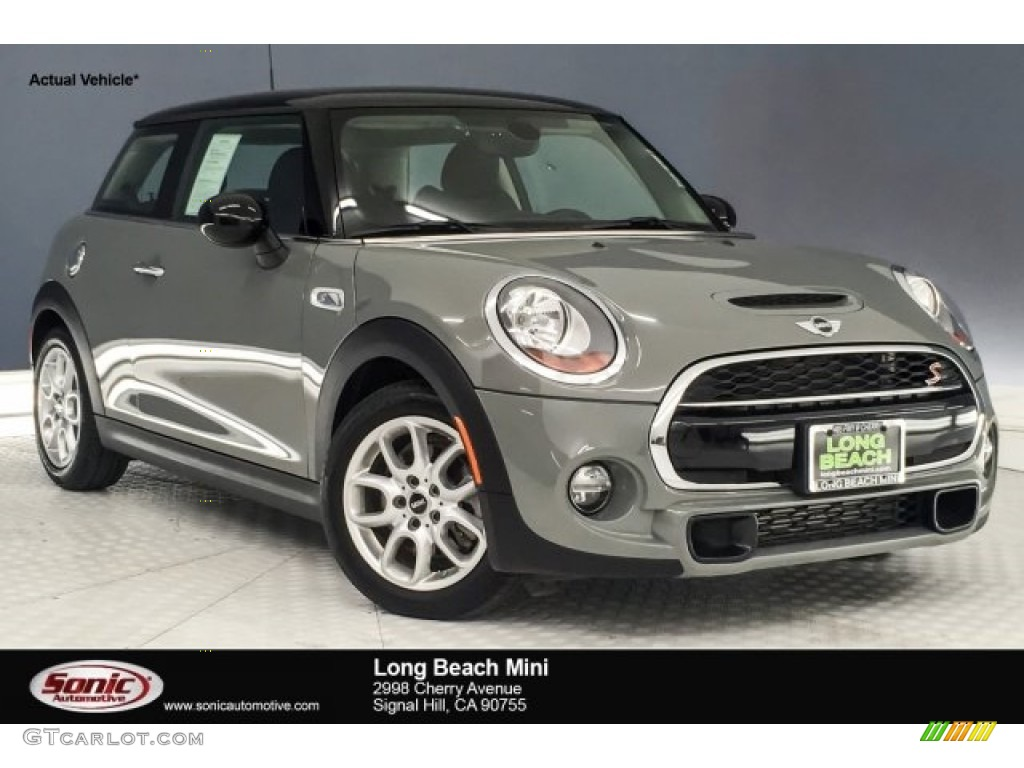 2018 Moonwalk Grey Metallic Mini Hardtop Cooper S 2 Door 128076376