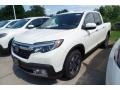 Front 3/4 View of 2019 Ridgeline RTL-E AWD