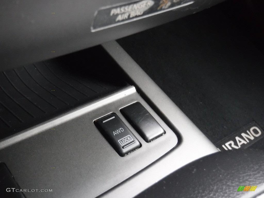 2011 Murano SV AWD - Super Black / Black photo #16