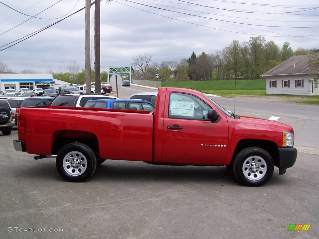 2009 Silverado 1500 Regular Cab - Victory Red / Dark Titanium photo #1