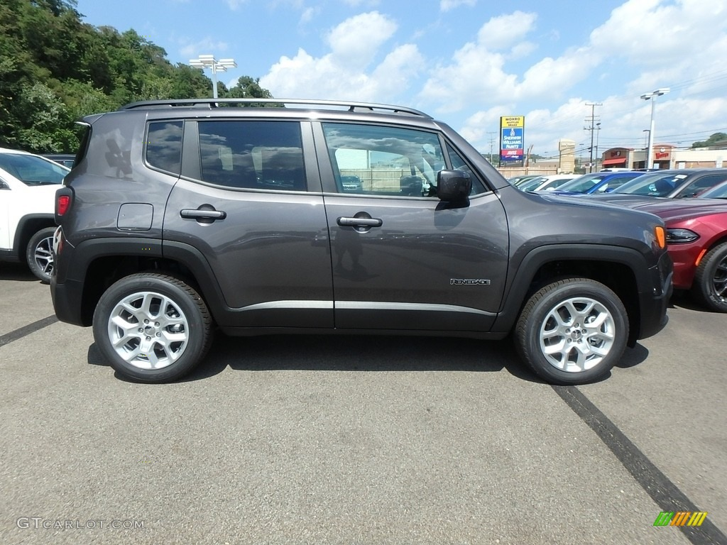 2018 Renegade Latitude 4x4 - Granite Crystal Metallic / Black photo #6