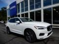 Front 3/4 View of 2019 XC60 T5 AWD Momentum
