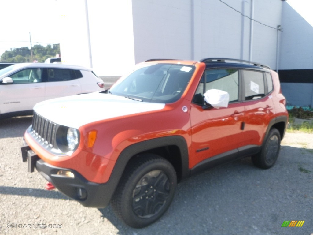 2018 Renegade Trailhawk 4x4 - Omaha Orange / Black photo #1