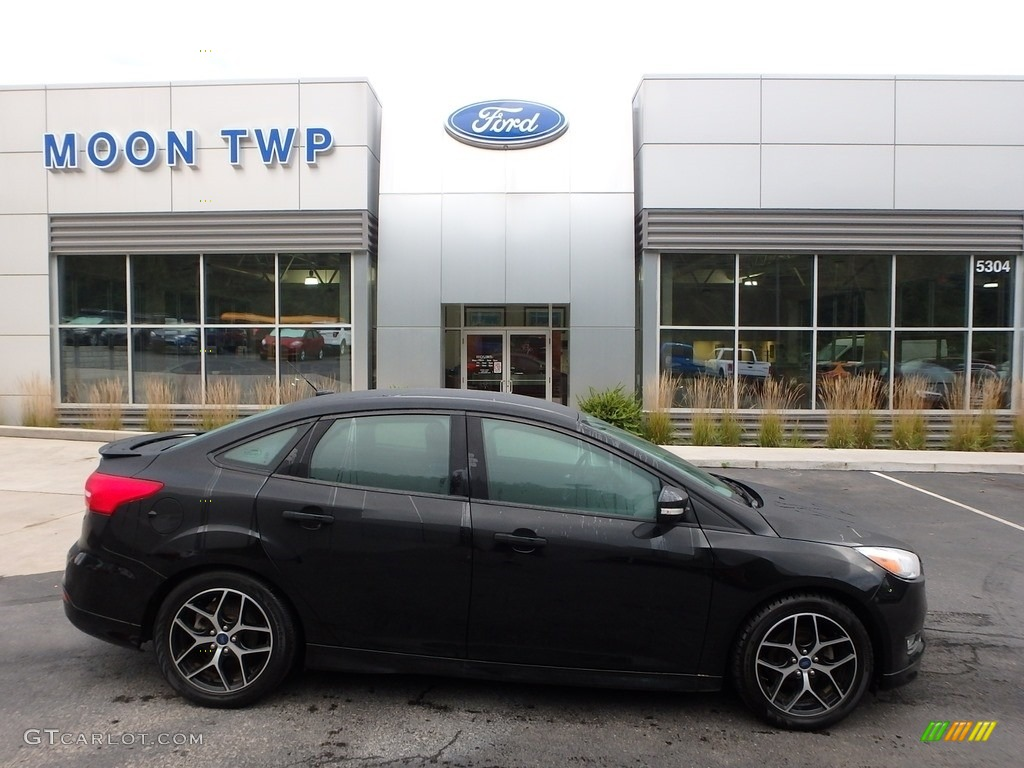 2015 Focus SE Sedan - Tuxedo Black Metallic / Charcoal Black photo #1