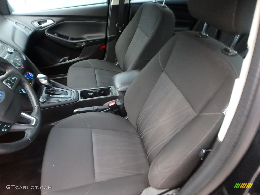 2015 Focus SE Sedan - Tuxedo Black Metallic / Charcoal Black photo #15