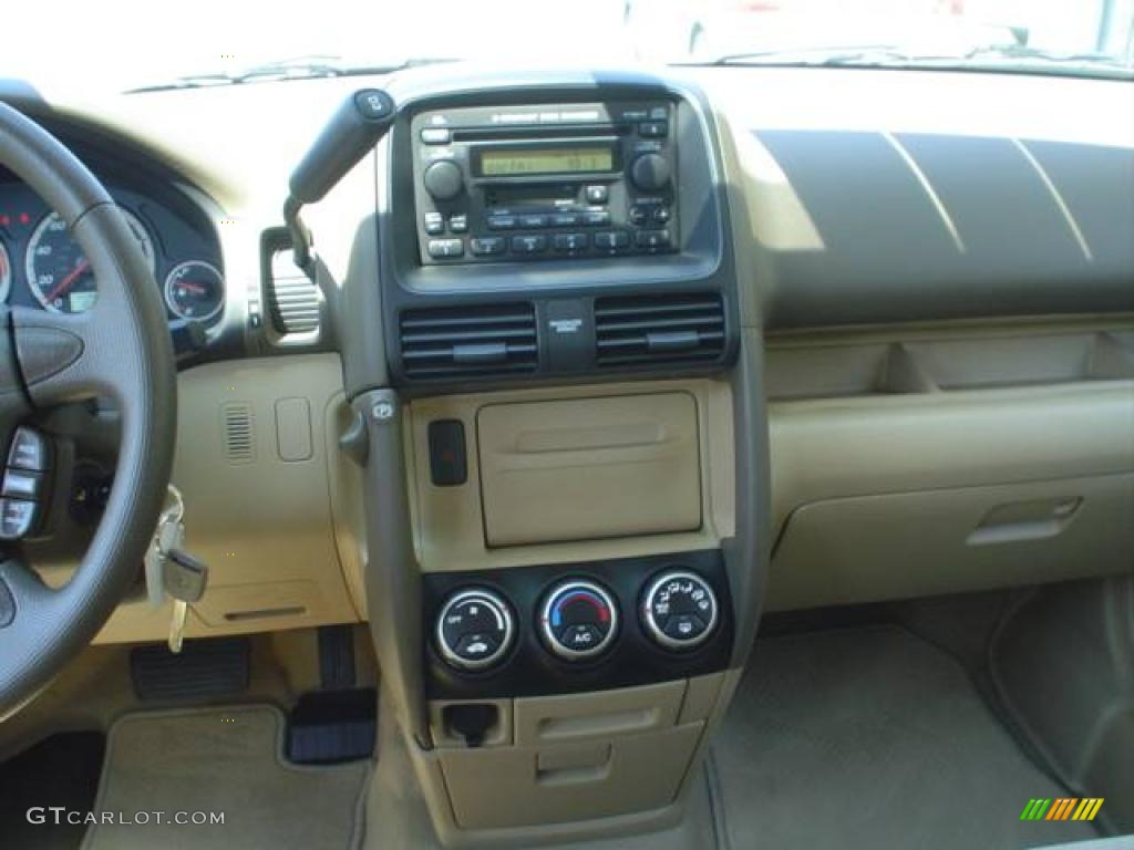 2006 taffeta white honda cr v ex 4wd 12962409 photo 7 for Honda crv 2006 interior