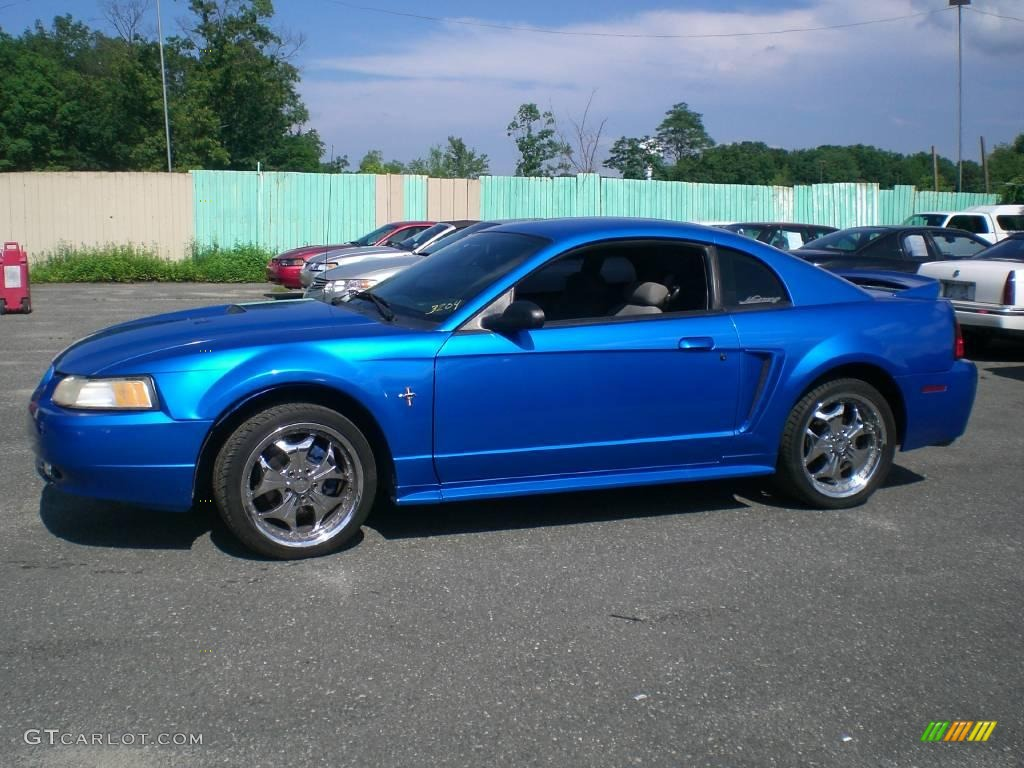 2000 bright atlantic blue metallic ford mustang v6 coupe. Black Bedroom Furniture Sets. Home Design Ideas