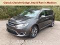 Granite Crystal Metallic 2019 Chrysler Pacifica Limited