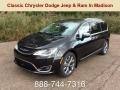 Brilliant Black Crystal Pearl 2019 Chrysler Pacifica Limited