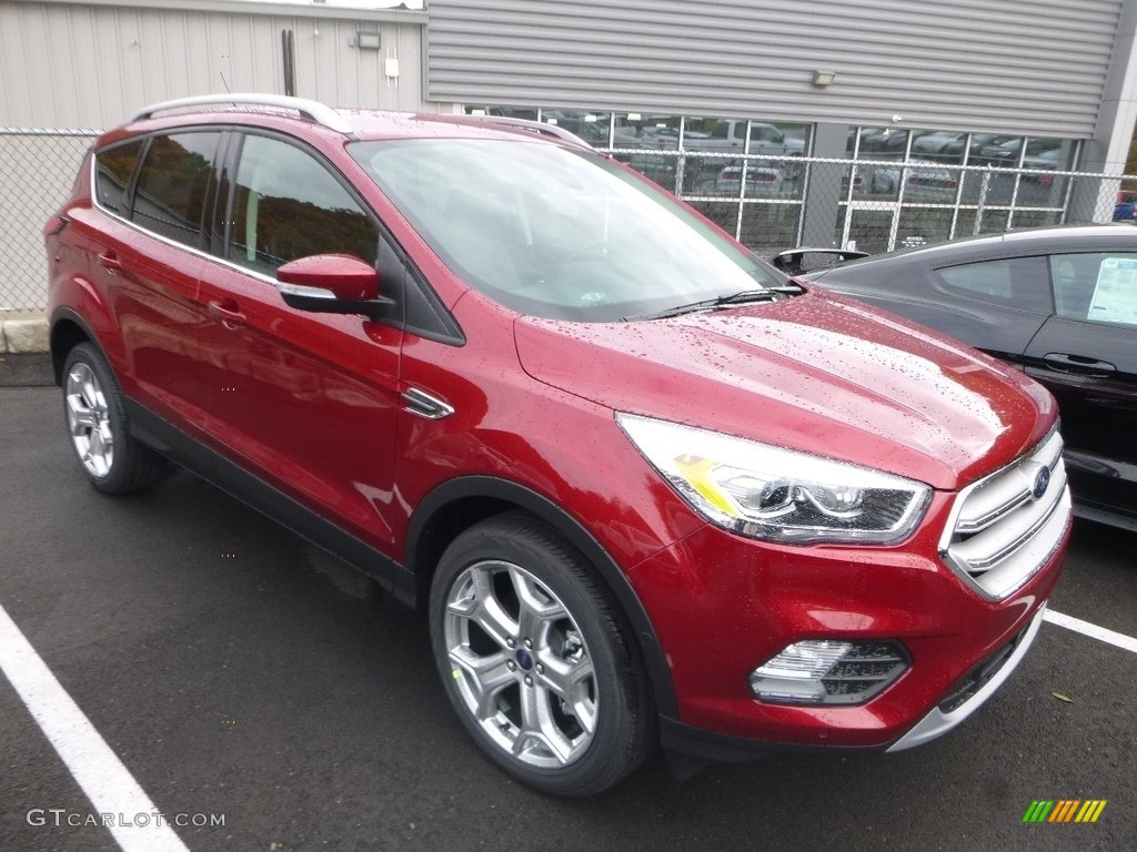 2019 Escape Titanium 4WD - Ruby Red / Chromite Gray/Charcoal Black photo #4