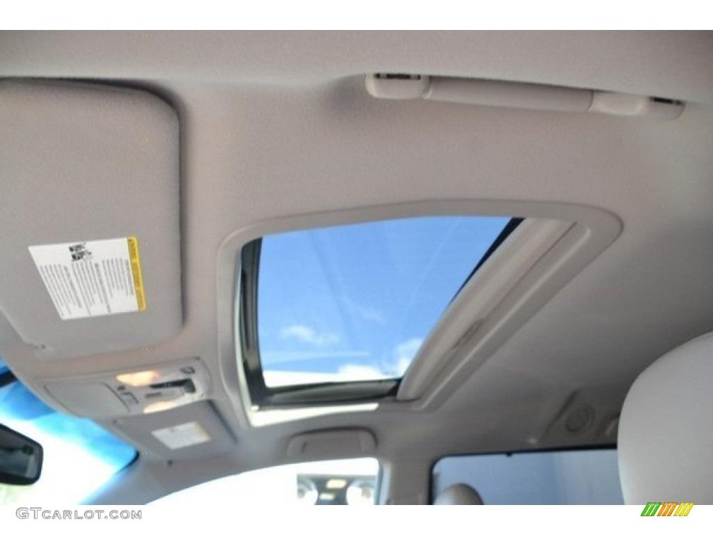 2012 Sienna XLE AWD - Silver Sky Metallic / Light Gray photo #10