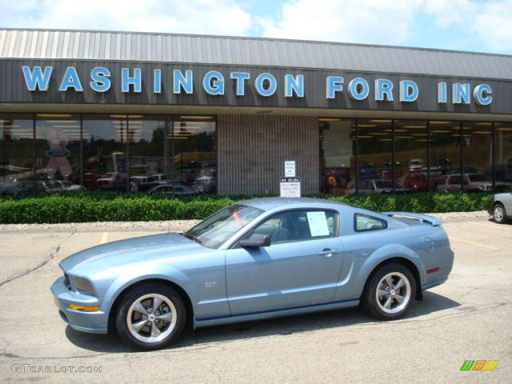 2006 Mustang GT Premium Coupe - Windveil Blue Metallic / Light Graphite photo #1