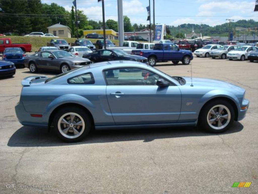 2006 Mustang GT Premium Coupe - Windveil Blue Metallic / Light Graphite photo #5