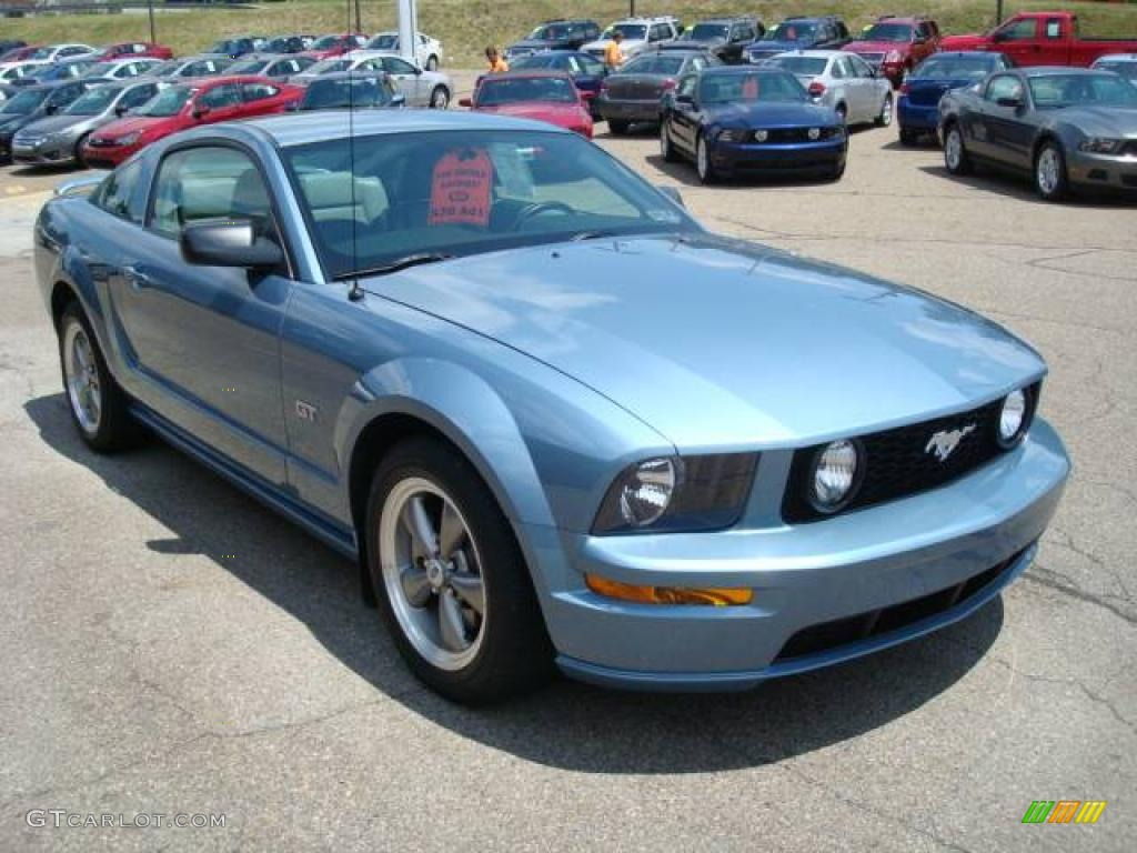 2006 Mustang GT Premium Coupe - Windveil Blue Metallic / Light Graphite photo #6