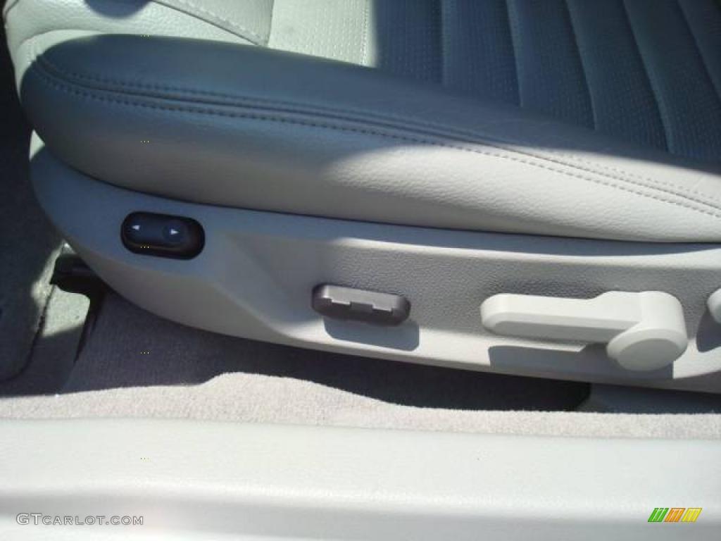 2006 Mustang GT Premium Coupe - Windveil Blue Metallic / Light Graphite photo #13