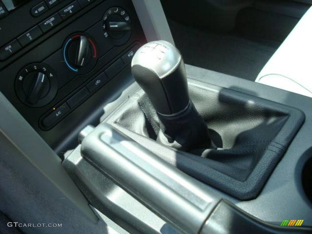 2006 Mustang GT Premium Coupe - Windveil Blue Metallic / Light Graphite photo #15