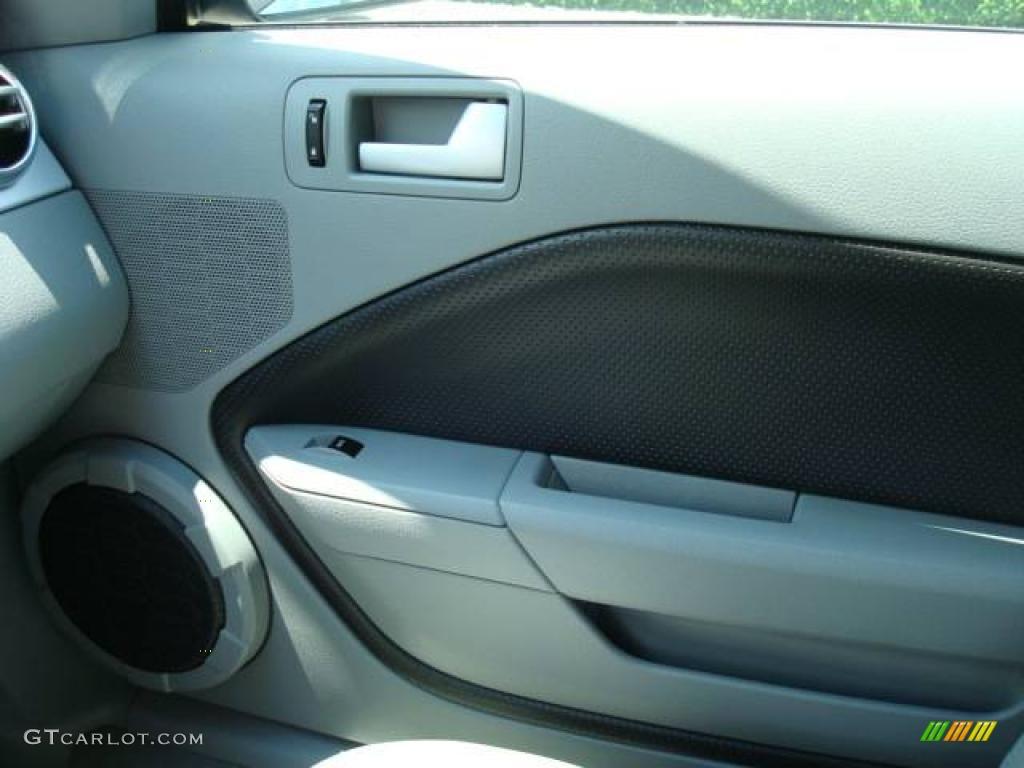 2006 Mustang GT Premium Coupe - Windveil Blue Metallic / Light Graphite photo #16