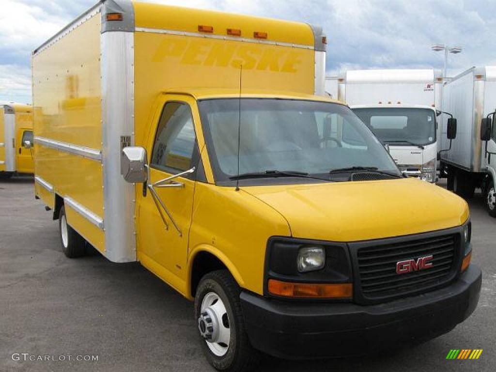 2003 savana cutaway 3500 commercial moving truck yellow medium pewter photo 1