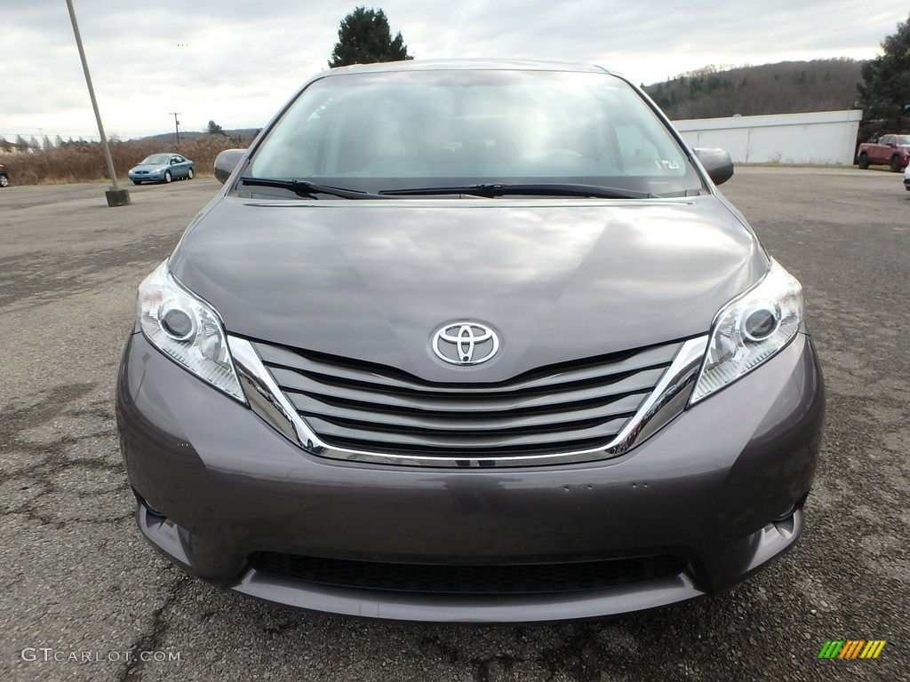 2011 Sienna XLE AWD - Predawn Gray Mica / Light Gray photo #3