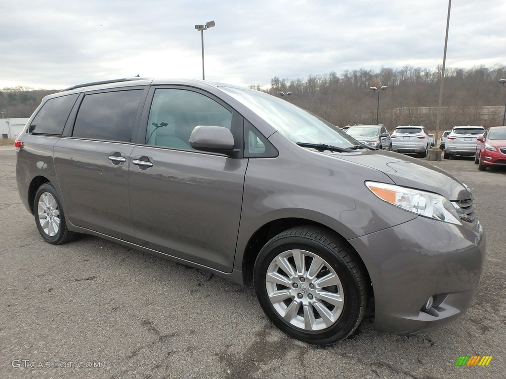2011 Sienna XLE AWD - Predawn Gray Mica / Light Gray photo #4