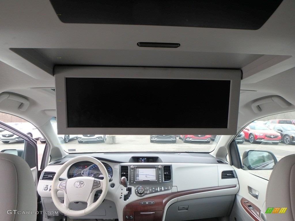 2011 Sienna XLE AWD - Predawn Gray Mica / Light Gray photo #16