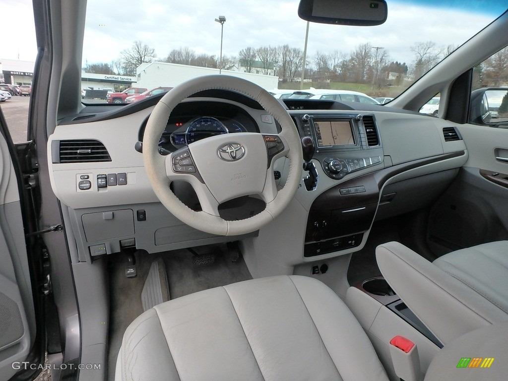 2011 Sienna XLE AWD - Predawn Gray Mica / Light Gray photo #17