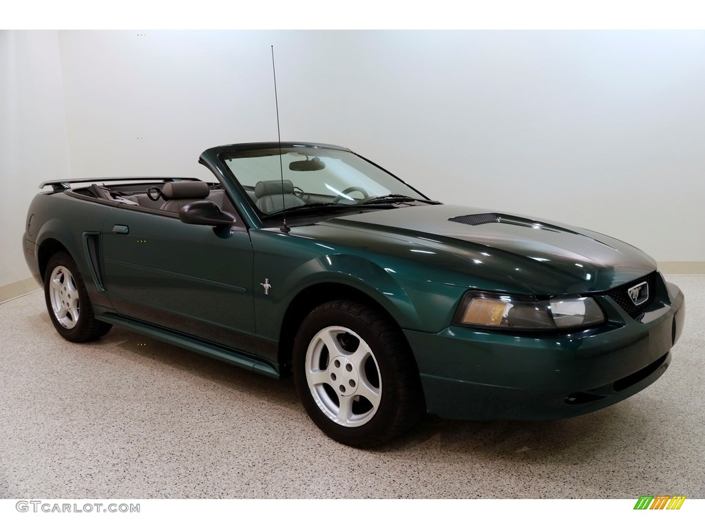 2002 Mustang V6 Convertible - Tropic Green Metallic / Medium Graphite photo #1