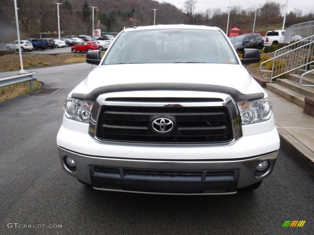2011 Tundra SR5 Double Cab 4x4 - Super White / Graphite Gray photo #7