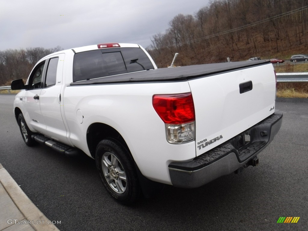 2011 Tundra SR5 Double Cab 4x4 - Super White / Graphite Gray photo #12