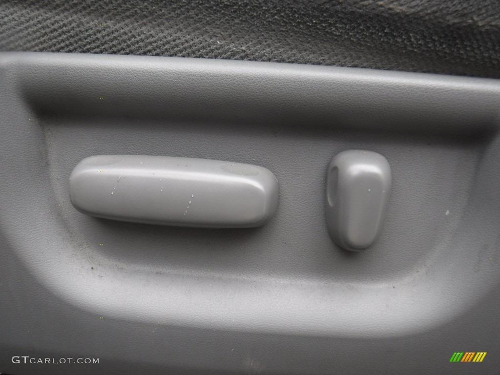 2011 Tundra SR5 Double Cab 4x4 - Super White / Graphite Gray photo #18