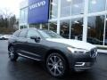 Front 3/4 View of 2019 XC60 T6 AWD Inscription