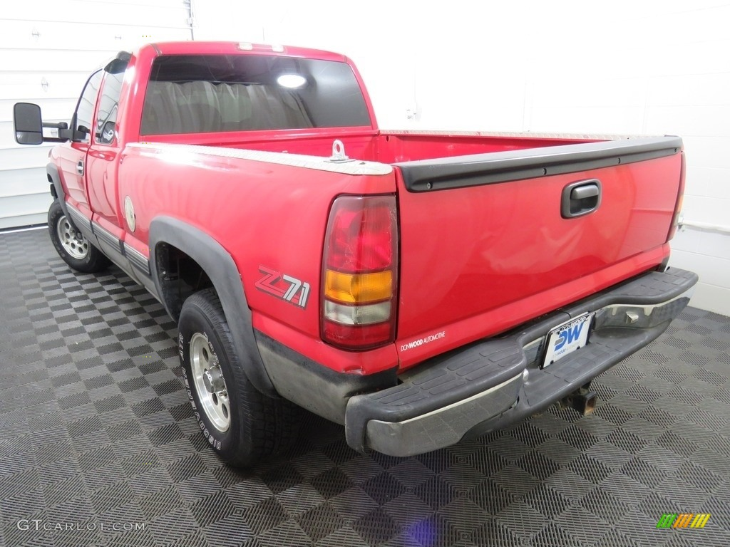 2000 Silverado 1500 LT Extended Cab 4x4 - Victory Red / Graphite photo #10